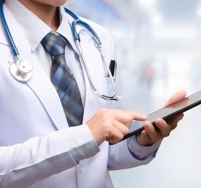 Doctor on iPad